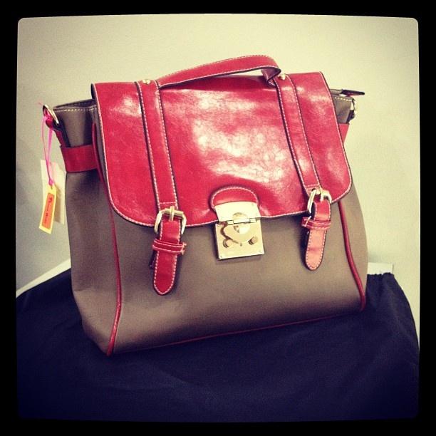 Sling and backpack mode fashion bag #handbags #fashionbags