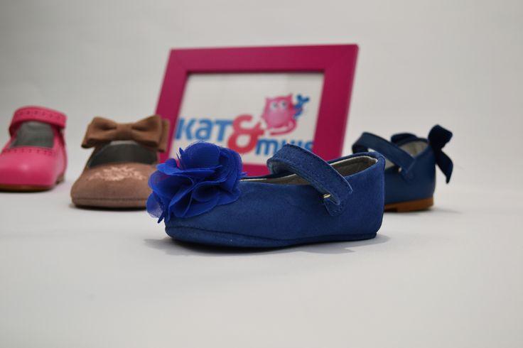Onze kleine meisjes worden ook vewend!    #Eli #kinderschoenen #webshop #meisjesschoenen #Kat&Muis