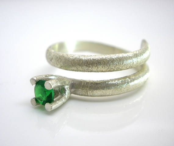 FREE SHIPPING Emerald Green Round Cubic Zirconia Silver Ring