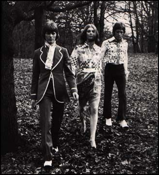 Feathers (David Bowie, Hermione Farthingale and Hutch Hutchingson) 60s.
