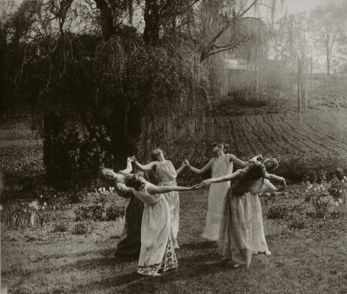 circle dance - 1923