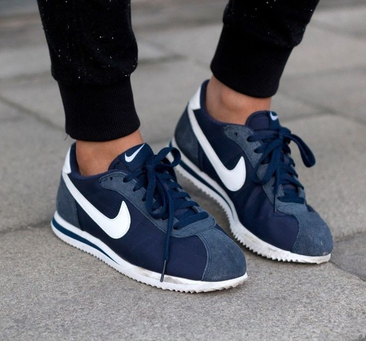 navy blue Nike Cortez <3 I'm in love with these shoes !