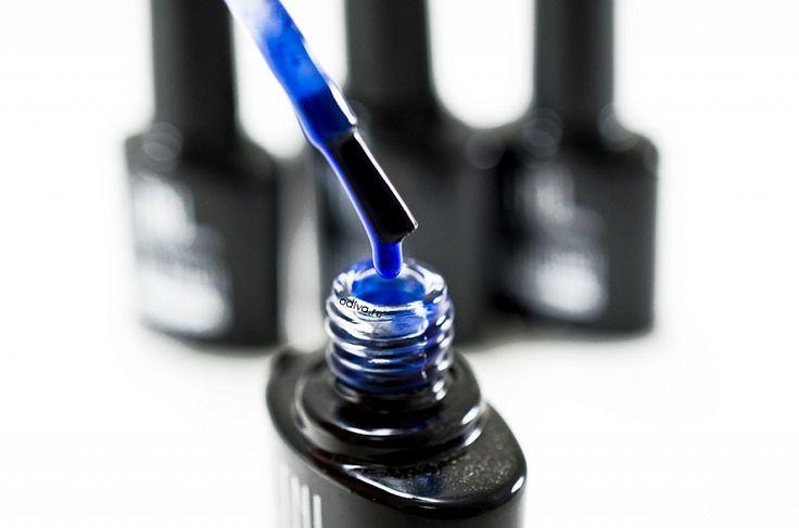 Хрупкая красота: особенности витражных гель-лаков, популярные бренды и идеи дизайна ногтей Витражные гель-лаки – это шеллаки с полупрозрачной текстурой, что позволяет создавать фантастически-красивые nail-арты в стиле акваманикюра, стилизации под хрусталь или мозаичного стекла. Чем они интересны и как наиболее эффектно украсить ими маникюр мы расскажем в этом обзоре. #новости@odivaru #полезныестатьи@odivaru