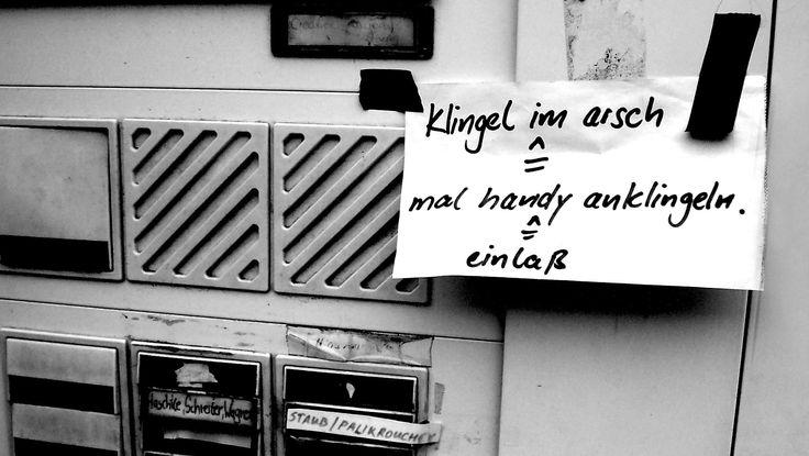 Auf wg-gesucht.de, dem größten Portal für Wohngemeinschaften Deutschlands, tummeln sich jede Menge schräge Menschen, die nach eben so durchgeknalltenMitbewohnern suchen.