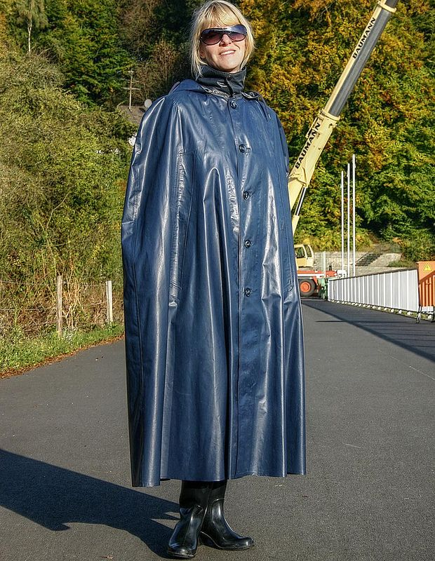 Navy blue rubber rubber Cape