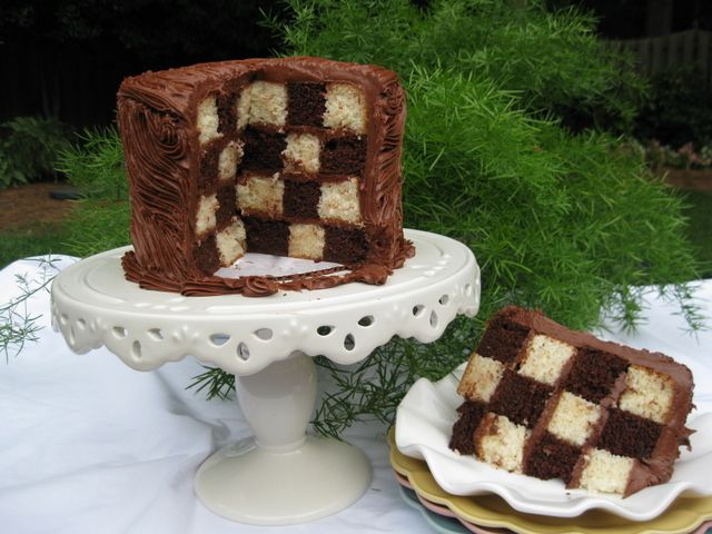 Checkered Cake tutorial and a great cake decorating how-to website