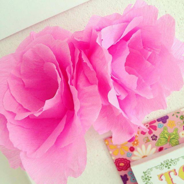 Zelf bloemen maken van crepe-papier! | Cadeaus maken