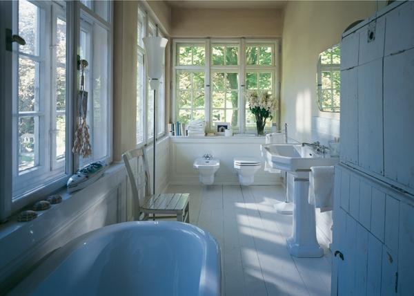Duravit 1930 przenosi wspaniałą atmosferę dworu do Twojej łazienki.