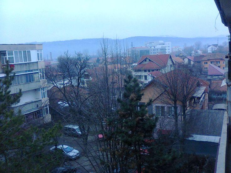 Targu-Jiu, Dealul Targului in departare