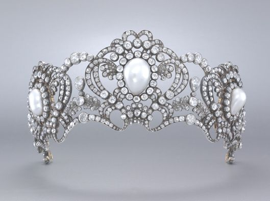 Tiara of archduchess Marie Valerie   By Köchert  Gold, silver, pearls and diamonds  1913  Albion Art collection