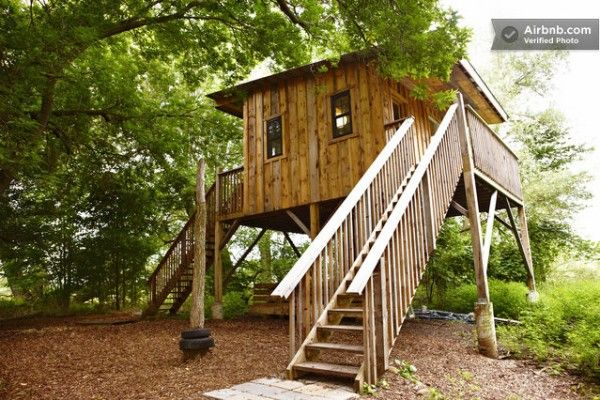 Tree house vacation rental in Blue Mountains, Ontario