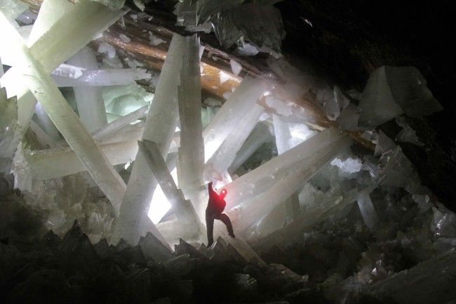CRYSTAL CAVES. MEXICO
