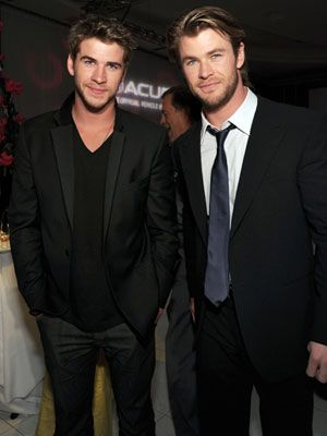 Chris Hemsworth and Liam Hemsworth two hot guys in the SAME family? too good to be true :)