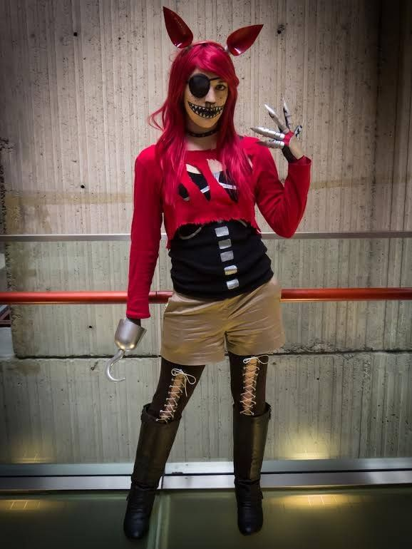 Five nights at freddys foxy cosplay