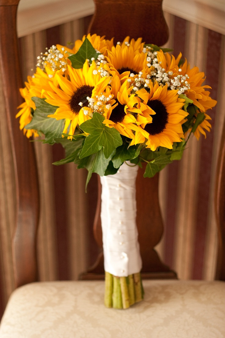 sunflower bouquet instead of throwing bouquet give each single women a flower and pray