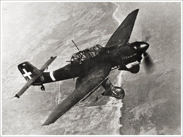 A Luftwaffe Stuka dive bomber in action