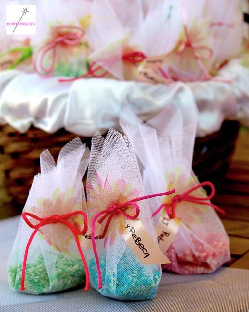 Saquitos de arroz boda by Acaramelada, via Flickr