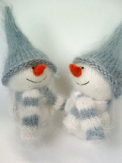 Mignon bonhomme de neige tricoté à la main jouet  par MiracleStore