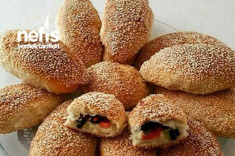 Zeytinli Kahvaltı Poğaçası Tarifi nasıl yapılır? 120 kişinin defterindeki bu tarifin resimli anlatımı ve deneyenlerin fotoğrafları burada. Yazar: Nurhayat'ın Mutfağı