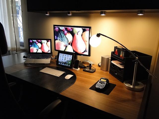 Nice office setup. Studios Pinterest Office setup