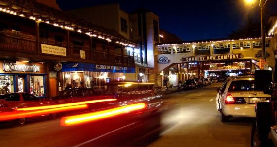 One of the best hotels in Monterey for international tourists: http://www.bayparkhotel.com/hotels-in-monterey-ca/