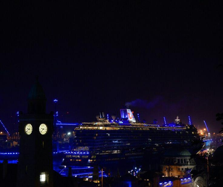 TUI Cruises Mein Schiff 4 during the parade #meinschiff #tuicruises #tui #cruise #blueport