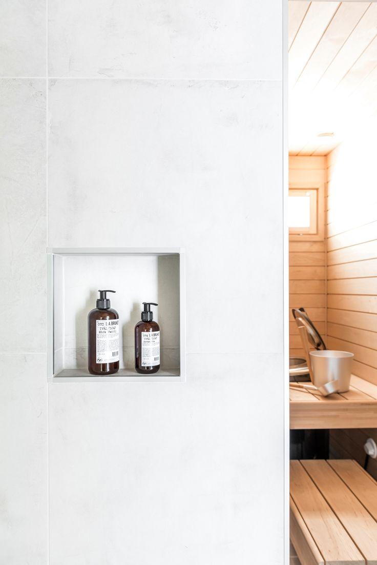 Hartman Koti Ruutu. Seinässä Res-Cover chalk K60x60. #pukkilalaatat #pukkila