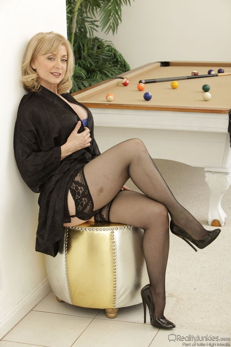 Nina hartley s guide to spanking — pic 5