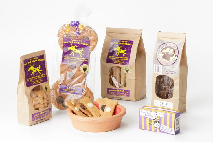 Doggy Delights Hamper - Have a pooch that loves drool-worthy treats? This hamper will satisfy even the most discerning hound's tastebuds and also provide them with a beautiful water bowl to rehydrate after they've indulged.