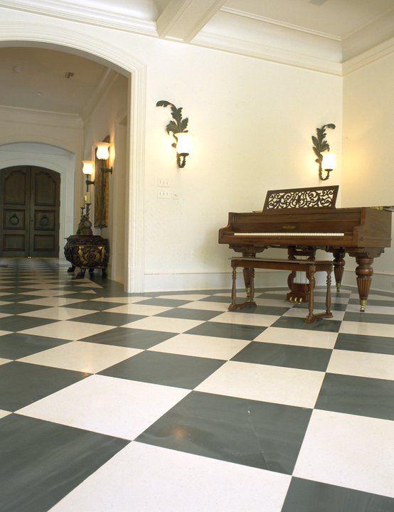 Викторианская классика - Полы сделаны из темного, полированного сланца Welsh Slate Cwt Y Bugail Dark Blue Grey и светлого английского известняка