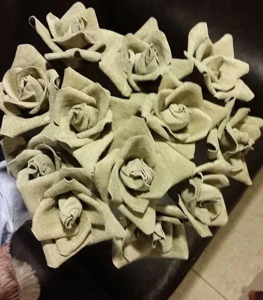 Rosas de cuero  - leaher roses
