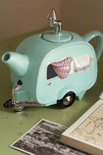 A camper teapot!!! I do not have sufficient words to describe how much I need this. (Along with a real camper in which to brew and serve the tea, of course.)