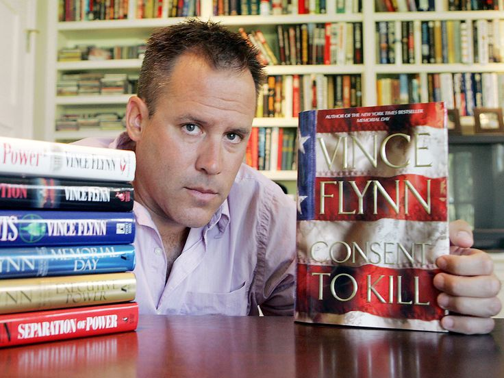 Best-selling author Vince Flynn dies at 47 (Poto: Jim Mone / AP)