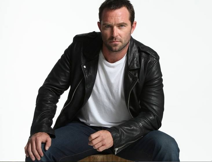 My favorite things — Sullivan Stapleton