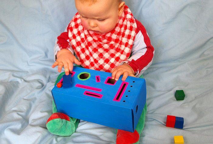 Steckkasten für Krippenkinder basteln