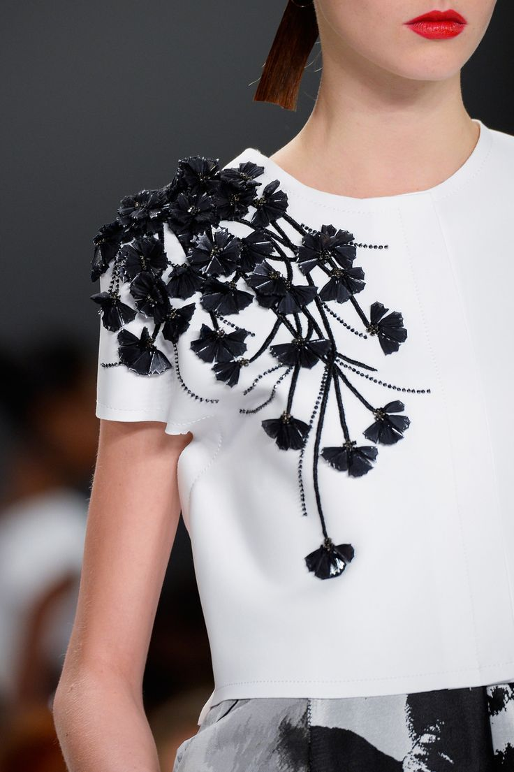 Carolina Herrera at New York Spring 2015 (Details)