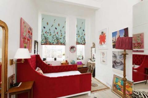 Яркий дизайн комнаты девочки-подростка