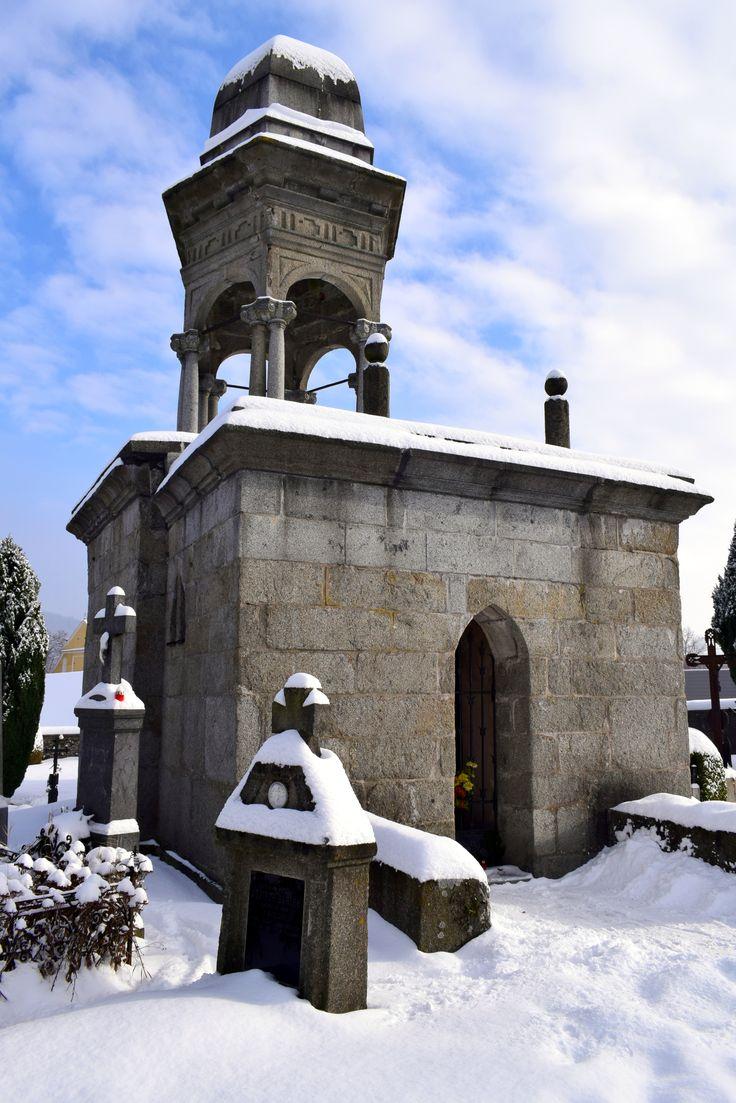 Votice - boží hrob na Starém hřbitově