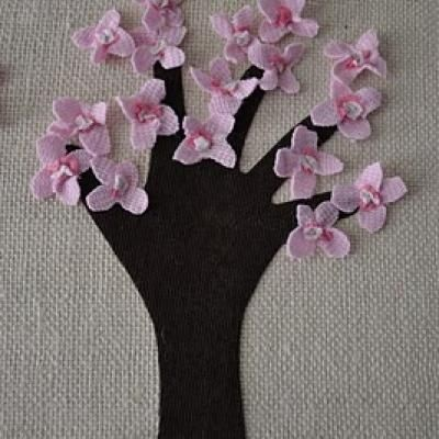 Sweeeeet handprint cherry blossom tree would make a nice Mother's Day gift <3.. pink tissue paper would make pretty flowers.