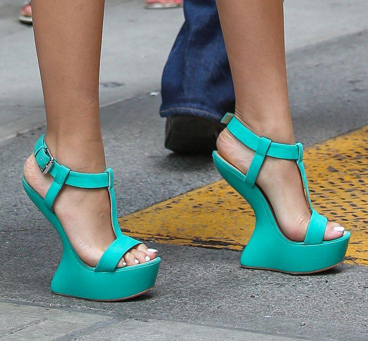Sexy shoes and beautiful feet. Worn by Zendaya. | Sexy ... Zendaya Feet