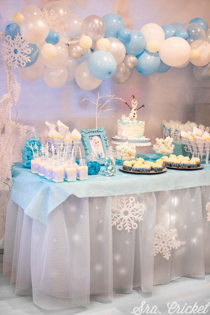 Frozen Birthday Decorations, Elsa Birthday Party, Frozen Themed Birthday Party, Disney Frozen Birthday, Frozen Table Decorations, Frozen Candy Table, Frozen Dessert Table, Geek Birthday, 5th Birthday
