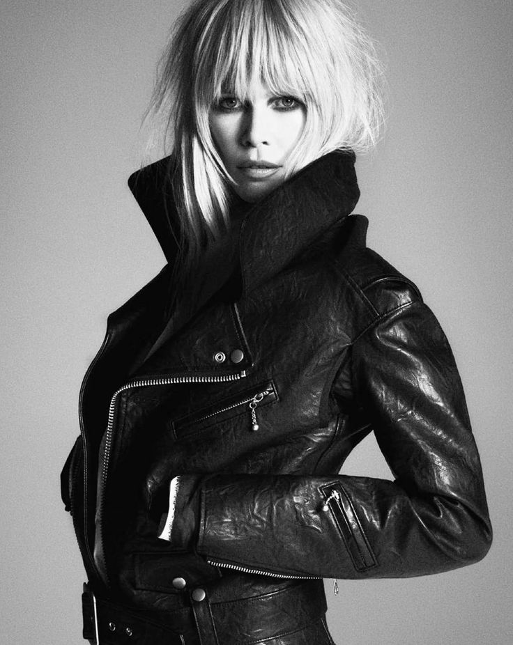 Claudia Schiffer: bangs & leather <3