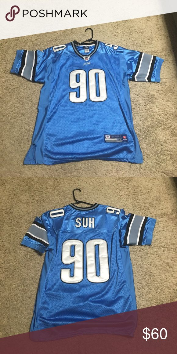 On field Detroit Lions jersey Suh jersey all stitched reebok no flaws very heavy Reebok Shirts