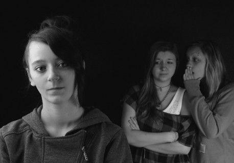 Πώς βιώνει ο έφηβος την κοινωνική απόρριψη