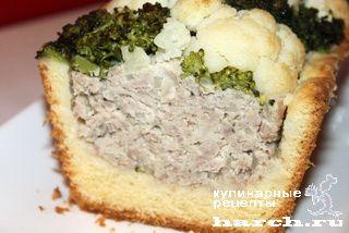 Песочный пирог с мясным фаршем, брокколи и цветной капустой «Шахматный»