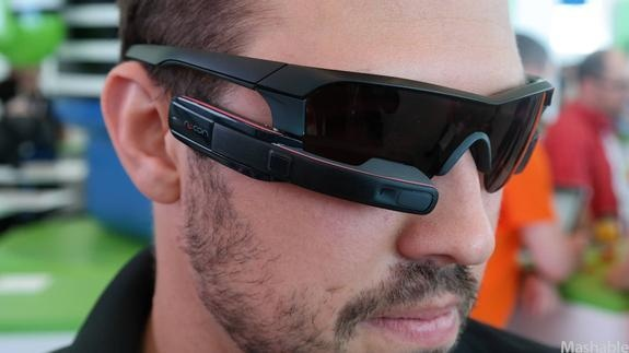 Google Glass Gets a Competitor for Extreme Sports Fanatics - http://linuxinfo.org/google-glass-gets-a-competitor-for-extreme-sports-fanatics/