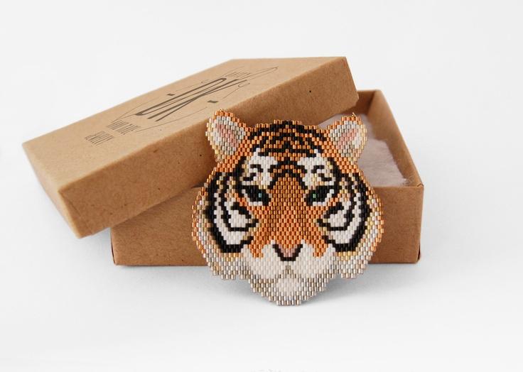 Image of BASILE Daisy DK collier tigre tissage de perles