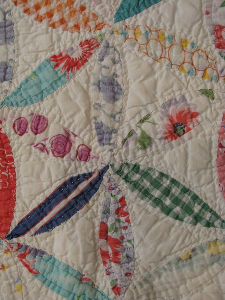 Blog about antiques quilts, sewing tools, quilt patterns and sewing. Reproducing antique quilts, doll quilts and collecting