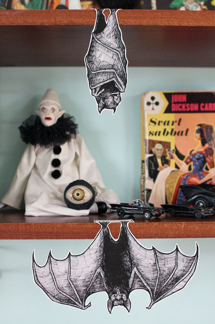 Shelf bats, cut out Halloween decorations by Johanna on Etsy