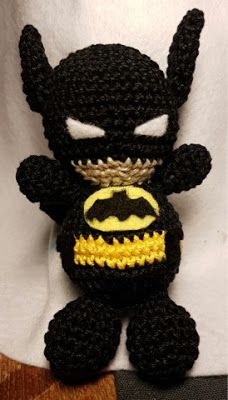 Amigurumi Batman (Link to pattern / Anleitung)